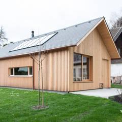 Haus Julia:  Holzhaus von firm ZT GmbH