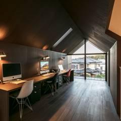 矢作の家: 星設計室が手掛けたリビングです。,ミニマル 合板(ベニヤ板)