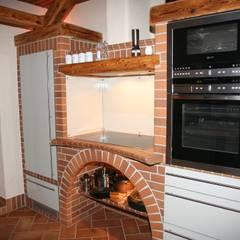 die schönsten rustikalen Küchen Deutschlands:  Küche von Heinrich-Wohnraumveredelung , Inhaber Ph. Lakomczyk