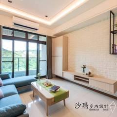 غرفة المعيشة تنفيذ 沙瑪室內裝修有限公司