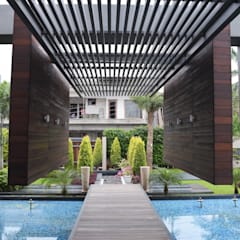 Interior:  Houses by Planet Design and associate
