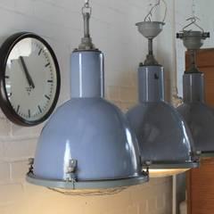 """""""DOVE"""" Fabriklampe Design Industrie Lampe Emaille Blau Vintage:  Geschäftsräume & Stores von Lux-Est"""