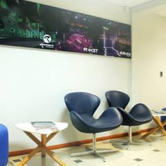 Oficinas Alliance SAS: Edificios de Oficinas de estilo  por Triad Group