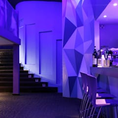 ICE Bariloche - Resto Bar: Bares y Clubs de estilo  por Triad Group