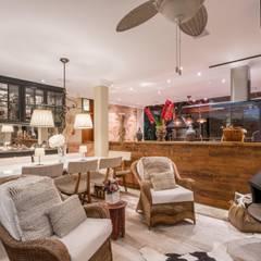 Paisagem Agridoce: Salas de estar  por Studio Ideação