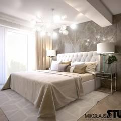 przestronna sypialnia: styl , w kategorii Sypialnia zaprojektowany przez MIKOŁAJSKAstudio