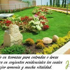 PRESENTACIÓN: Jardines frontales de estilo  por JCASCADAS