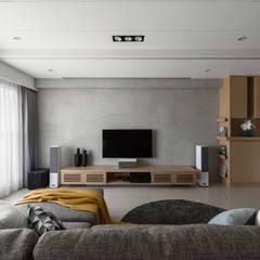 غرفة المعيشة تنفيذ 存果空間設計有限公司 , إسكندينافي