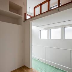 府中の家: 前田篤伸建築都市設計事務所が手掛けた子供部屋です。