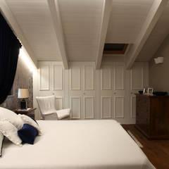 ห้องนอน by M&M STUDIO
