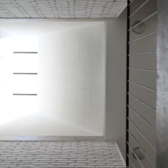 Casa CH: Techos de estilo  por Apaloosa Estudio de Arquitectura y Diseño