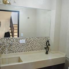 Salle de bains de style  par Opra Nova - Arquitectos - Buenos Aires - Zona Oeste, Classique