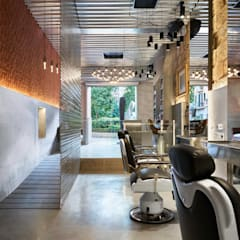 Barber's Club, ''The Razor Blade Project'': Espacios comerciales de estilo  de Minimal Studio