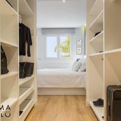 Dressing room by Interiorismo Paloma Angulo