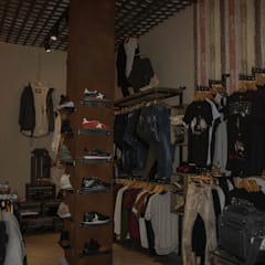 Tienda de ropa Dolce Vita: Oficinas y Tiendas de estilo  de M2 Al Detalle