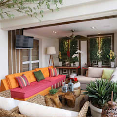 Inside Contemporâneo Oriental Tatuapé Varandas, alpendres e terraços clássicos por INSIDE ARQUITETURA E DESIGN Clássico de madeira e plástico