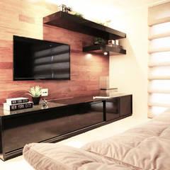 Ruang Multimedia oleh INSIDE ARQUITETURA E DESIGN, Klasik Kayu Wood effect
