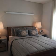 Bedroom by Livia Martins Arquitetura e Interiores