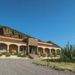 Country house by GPro - Gabinete de Proyectos