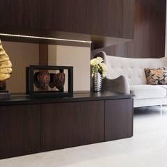 Modern Masculine house: Koridor dan lorong oleh Exxo interior,