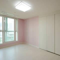 주방을 포인트로 만든 청라린스트라우스: 디자인 아버의  방