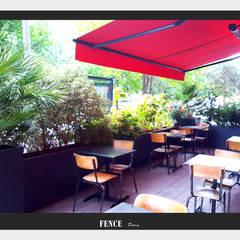 Jardinières - Les Sombres: Terrasse de style  par Fence Paris