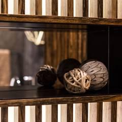 Zbliżenie na dekoracje: styl , w kategorii Łazienka zaprojektowany przez Viva Design - projektowanie wnętrz