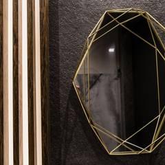 Zdjęcie lustra w toalecie: styl , w kategorii Łazienka zaprojektowany przez Viva Design - projektowanie wnętrz