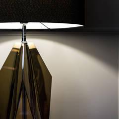 Zbliżenie na lampę : styl , w kategorii Sypialnia zaprojektowany przez Viva Design - projektowanie wnętrz