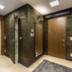 Zdjęcie na drzwi wejściowe: styl , w kategorii Korytarz, przedpokój zaprojektowany przez Viva Design - projektowanie wnętrz