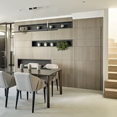 An urban chic mews in Fulham:  Dining room by Tailored Living Interiors