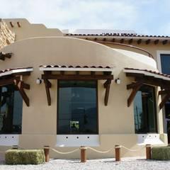 """Restaurante """"Carlitos"""": Casas de estilo rústico por VISION+ARQUITECTOS"""