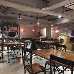 座位區:  辦公室&店面 by 沙瑪室內裝修有限公司
