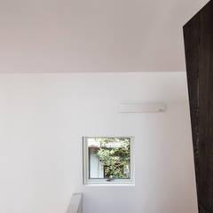 谷田の家: 前田篤伸建築都市設計事務所が手掛けた窓です。