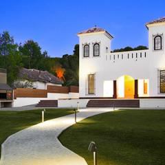 Rehabilitación de casa en la huerta: Villas de estilo  de 2J Arquitectura