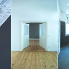 Komplettsanierung einer Altbauwohnung in Berlin Steglitz:  Wände von Holzeco GmbH