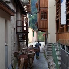 Cabañas de estilo  por auge architetti