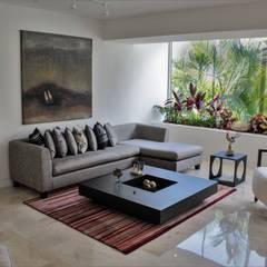 Apartamento en Chulavista: Salas / recibidores de estilo  por RRA Arquitectura,