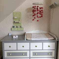Dormitorios de niñas de estilo  por Stilholz Pioch