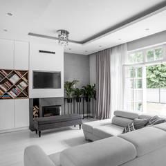 Salon: styl , w kategorii Salon zaprojektowany przez Progetti Architektura