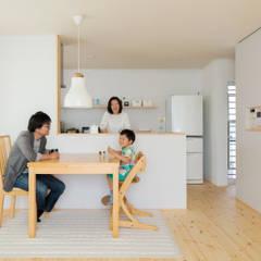 اتاق غذاخوری توسط五藤久佳デザインオフィス有限会社, اکلکتیک (ادغامی)