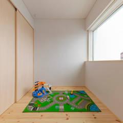 高道の家: 五藤久佳デザインオフィス有限会社が手掛けた子供部屋です。