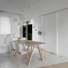Comedores de estilo  por 寓子設計