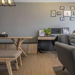 673B Yishun Ave 4 - Modern Scandinavian : scandinavian Living room by VOILÀ Pte Ltd