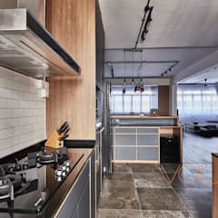 821 Yishun St 81 - Industrial :  Built-in kitchens by VOILÀ Pte Ltd,