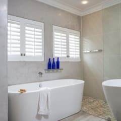 Bathroom by Deborah Garth Interior Design International (Pty)Ltd
