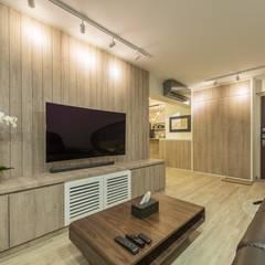 689A Choa Chu Kang - Modern Scandinavian : scandinavian Living room by VOILÀ Pte Ltd