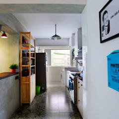 461 @ Fernvale  - Eclectic Retro :  Built-in kitchens by VOILÀ Pte Ltd,Eclectic