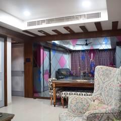Dining Area:  Corridor & hallway by InDeCo