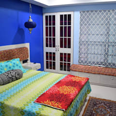 Bedroom by InDeCo, Rustic ٹھوس لکڑی Multicolored